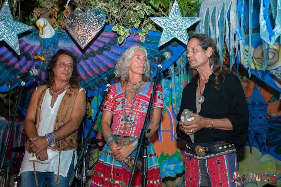 Alok, Merel y Mitchel en la fiesta Namasté