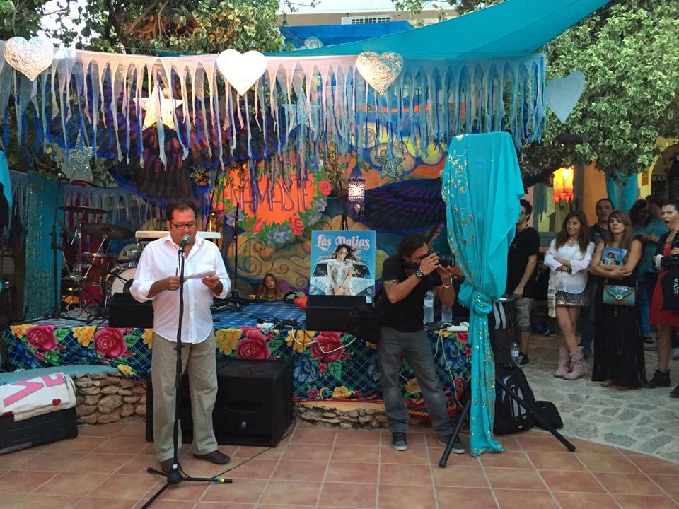 Jesús Turel en la presentación de la revista ok