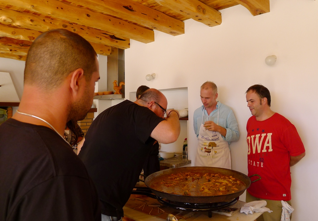 Duelo de paella y fideuá en Ibiza